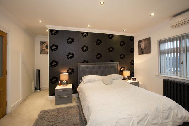Master Bedroom of Fairway, Leigh-On-Sea, Essex SS9