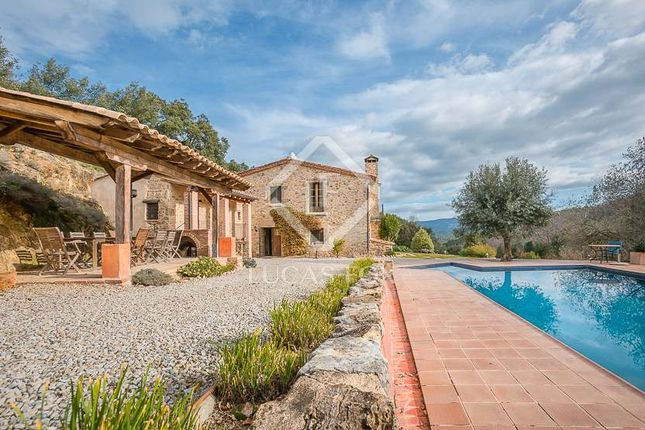 5 bed country house for sale in Spain, Girona (Inland Costa Brava), Girona City And Surroundings, Cbr5098
