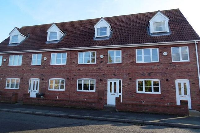Thumbnail Town house to rent in Rands Lane, Armthorpe, Doncaster