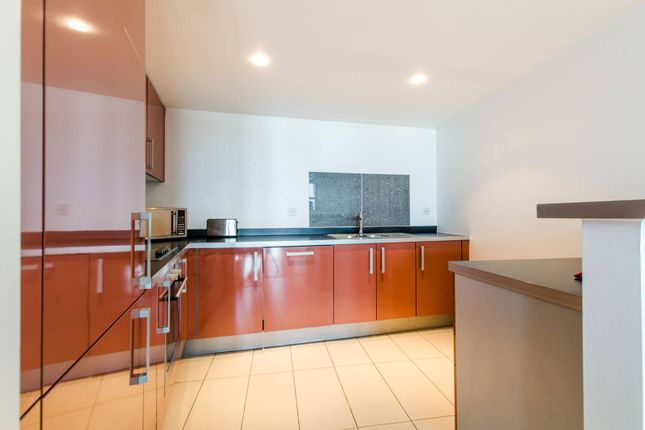 Thumbnail Flat to rent in Falcon Wharf, Wandsworth