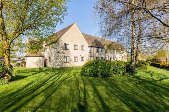 Thumbnail Flat for sale in Cambridge Way, Minchinhampton, Stroud