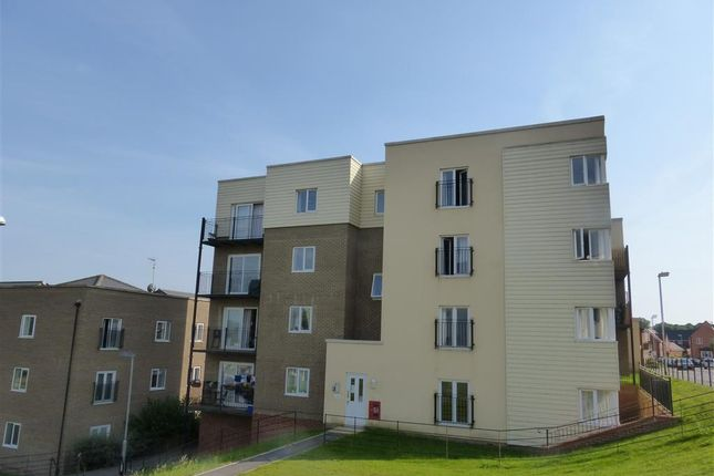 Thumbnail Flat to rent in Great Mead, Yeovil