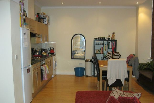 Thumbnail Semi-detached house to rent in High Road, Wood Green