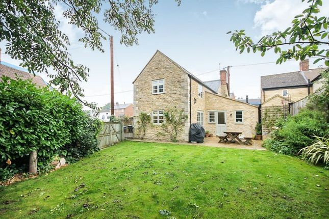 Thumbnail Cottage for sale in North Street, Middle Barton, Chipping Norton
