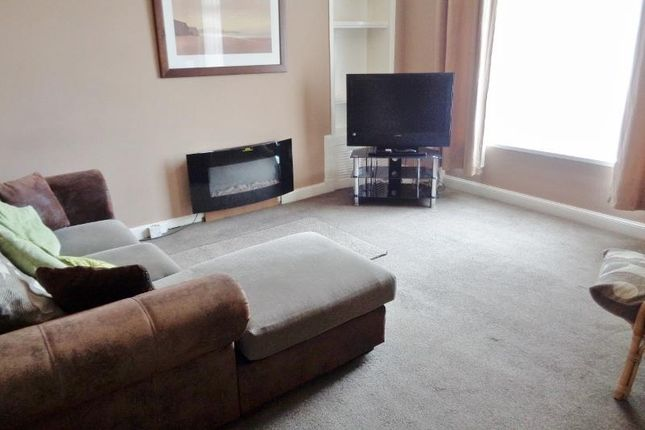 Thumbnail Flat to rent in High Street, Methil, Leven