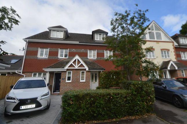 Thumbnail Semi-detached house for sale in Yachtsman Close, Bursledon, Southampton