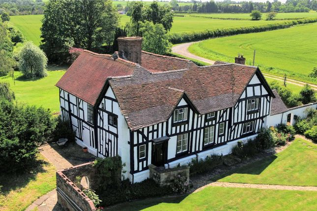 Thumbnail Detached house for sale in Worcester Road, Harvington, Kidderminster, Worcestershire