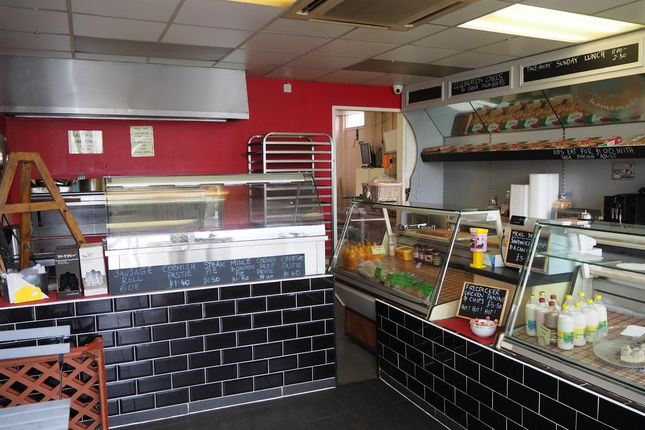Thumbnail Restaurant/cafe for sale in Cafe & Sandwich Bars DL17, County Durham