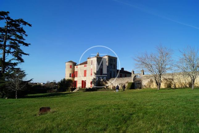 Thumbnail Property for sale in Bordeaux, Aquitaine, 33000, France
