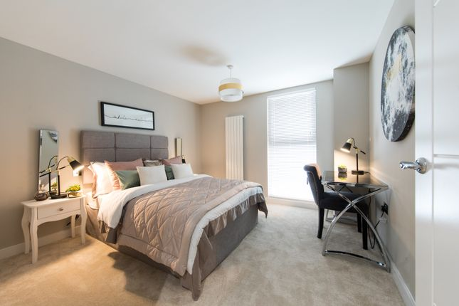 2 bedroom flat for sale in Victoria Avenue, Southend-On-Sea, Essex