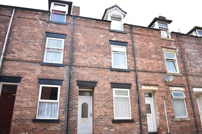 Thumbnail Terraced house to rent in New Wells Terrace, Thornhill Street, Wakefield, West Yorkshire