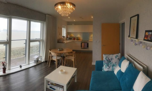 Thumbnail Flat to rent in Clovelly Place, Greenhithe