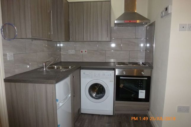 Flat to rent in Flats, 935-937 Bristol Road