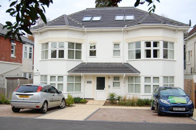2 bed flat to rent in Westbourne, B'mth