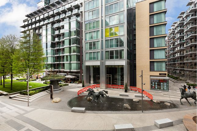 3 bed flat for sale in 14 Piazza Walk, Aldgate East, London E1