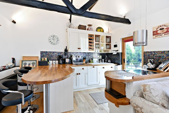 Thumbnail Cottage to rent in Maresfield, Uckfield