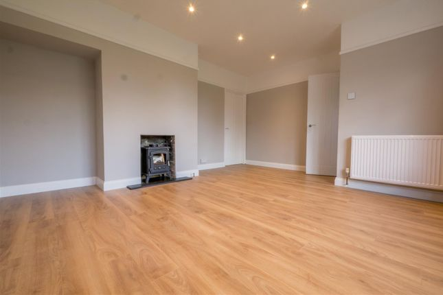 Thumbnail Maisonette for sale in Edmunds Road, Hertford