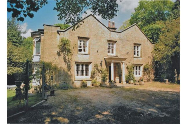 Thumbnail Detached house for sale in Chapel-En-Le-Frith, High Peak
