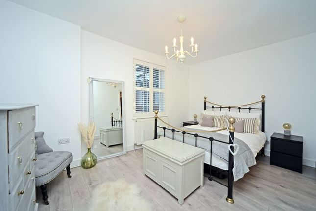 Photo 3 of Olive Court, Walton Road, East Molesey KT8