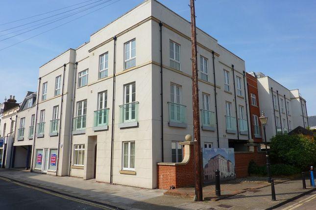 Flat to rent in Flat 1, Regency Apartments, 17-19 Crescent Road