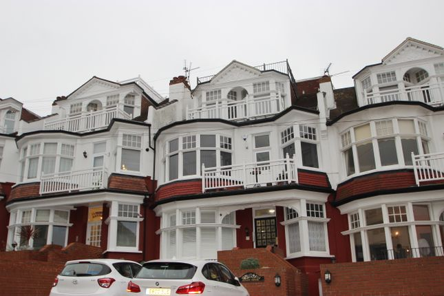 Thumbnail Flat to rent in Palmeira Avenue, Westcliff-On-Sea, Essex