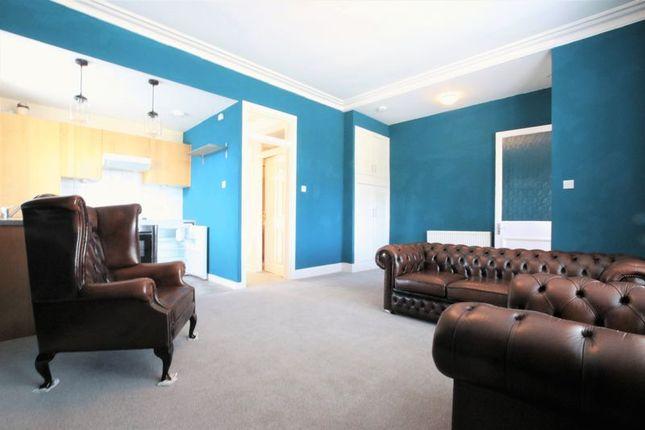 Living Room (2) of Stewart Avenue, Bo'ness EH51