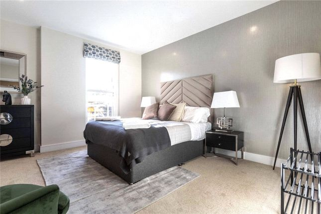 2 bed property for sale in Newlands House, Oakhill Road, Surbiton, Kingston Upon Thames KT6