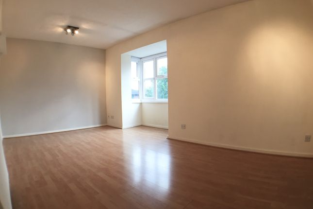 1 bed flat to rent in Stubbs Drive, London SE16