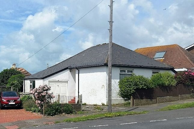 Thumbnail Detached bungalow to rent in Cranleigh Avenue, Rottingdean, Brighton