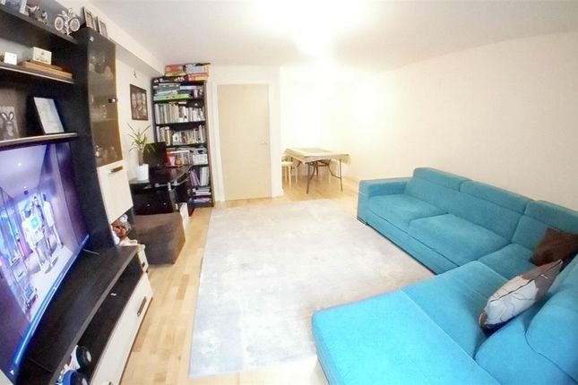 Terraced house to rent in Wraysbury Drive, West Drayton