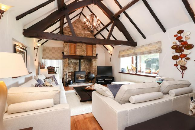 Living Room of Chesterfield Road, Hardstoft, Chesterfield S45