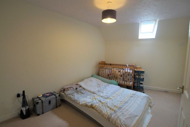 Image: 6 of Pear Tree Court, Rugeley, Staffordshire WS15