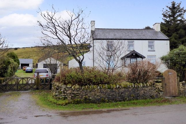 Thumbnail Detached house for sale in Rhosgadfan, Caernarfon