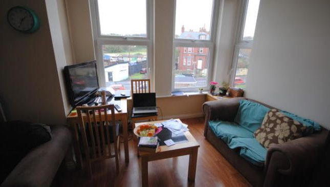 Photo 1 of Flat 6, Hyde Park, 79 Brudenell Grove, Hyde Park LS6