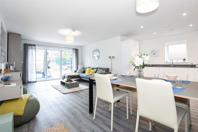 Thumbnail Flat for sale in Villiers Court, Cheam Road, Ewell