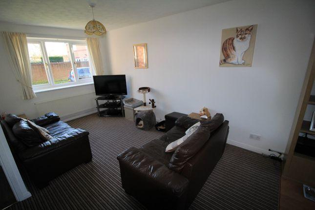 Picture No. 04 of Merlin Grove, Leyland, Lancashire PR25