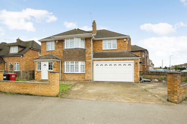 Thumbnail Detached house for sale in Quaves Road, Slough