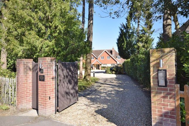 Thumbnail Flat for sale in Vicarage Hill, Farnham