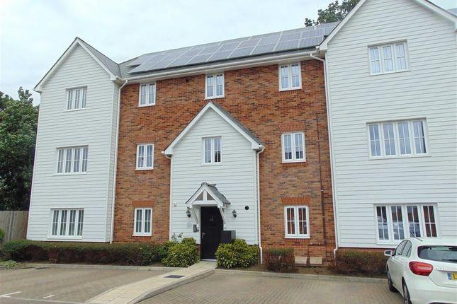 Thumbnail Flat to rent in Chalk Pit Avenue, Orpington, Kent