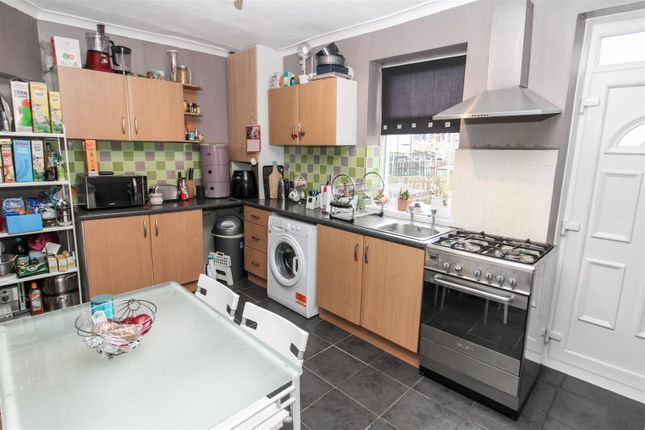 Dining Kitchen of Cranmer Road, Bradford BD3