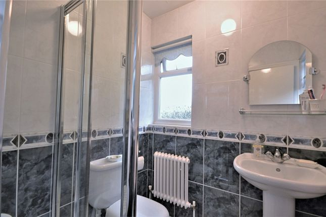 En-Suite of Longhurst Lane, Mellor, Stockport SK6