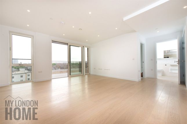 Thumbnail Property for sale in Siddal Apartments, Elephant Park, 6 Heygate Street, London