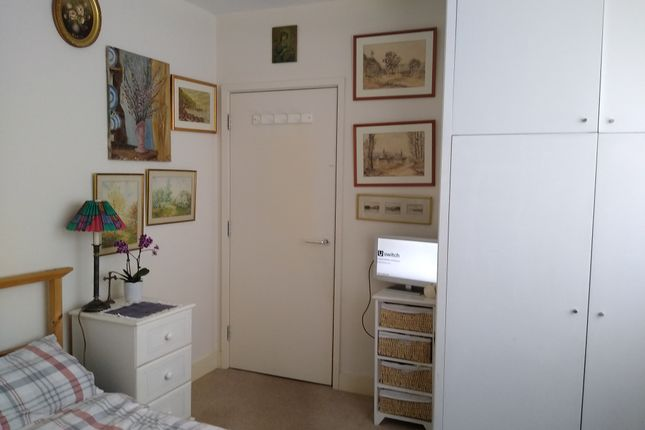 Image 2 of Alice Court, Wood Green, London N22