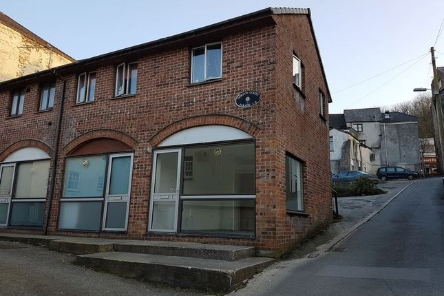 Commercial property to let in Market Street, Bodmin