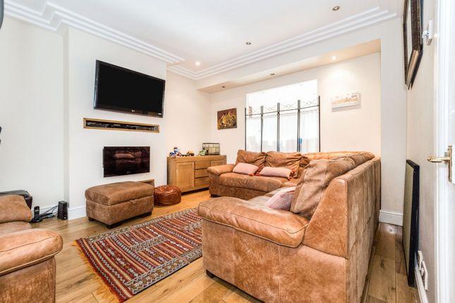 Living Room of Selwyn Avenue, Ilford IG3