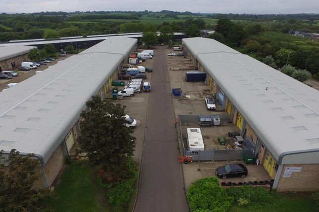 Thumbnail Light industrial to let in 27/28 Rabans Close, Rabans Lane Industrial Estate, Aylesbury, Buckinghamshire