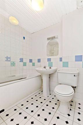 Bathroom of Causewayside, Newington, Edinburgh EH9