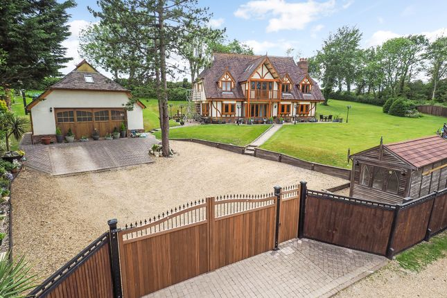 Thumbnail Detached house for sale in Lith Lane, Horndean, Waterlooville