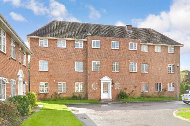 2 bed flat for sale in White Ladies Close, Havant, Hampshire PO9