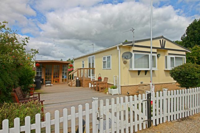 Thumbnail Property for sale in St. Thomas's Road, Hemsby, Great Yarmouth